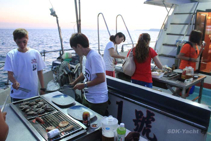 「遊艇 烤肉」的圖片搜尋結果
